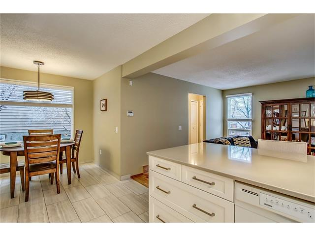 Photo 15: 211 STRATHEARN Crescent SW in Calgary: Strathcona Park House for sale : MLS(r) # C4104342