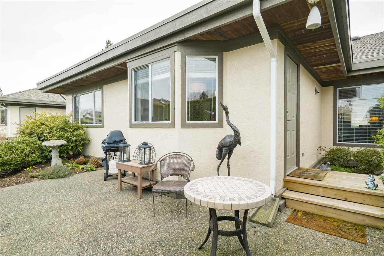 Photo 2: 1 12925 17 AVENUE in Surrey: Crescent Bch Ocean Pk. Townhouse for sale (South Surrey White Rock)  : MLS(r) # R2152668