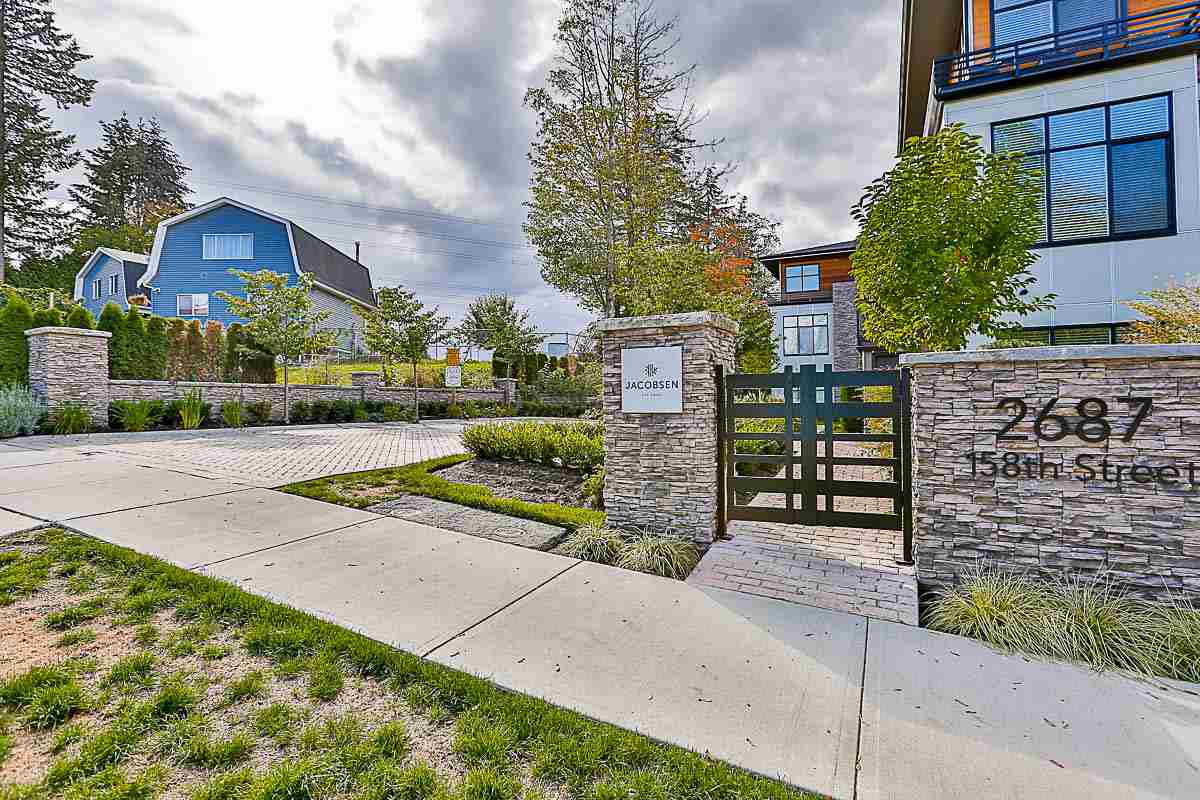 "Main Photo: 14 2687 158 Street in Surrey: Grandview Surrey Townhouse for sale in ""Jacobsen"" (South Surrey White Rock)  : MLS® # R2166202"