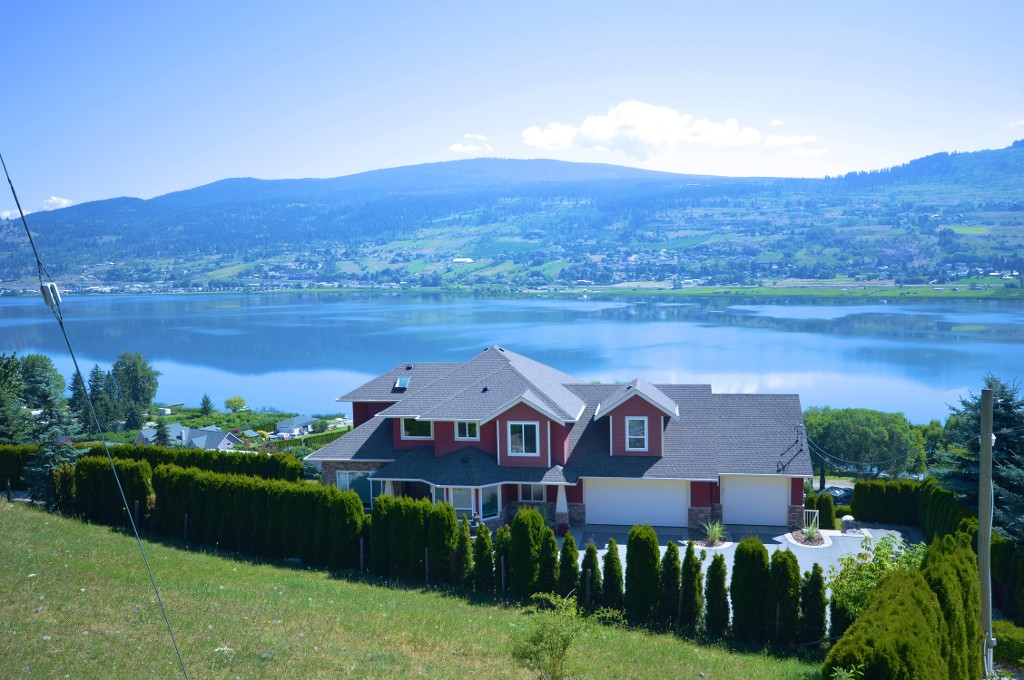Main Photo: 7215 Bremmer Road in Vernon: Swan Lake West House for sale (North Okanagan)  : MLS(r) # 10102685