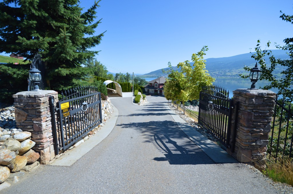 Photo 2: 7215 Bremmer Road in Vernon: Swan Lake West House for sale (North Okanagan)  : MLS(r) # 10102685