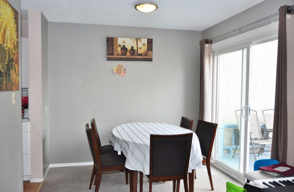 Photo 7: 285 CALLINGWOOD Place in Edmonton: Zone 20 Townhouse for sale : MLS(r) # E4068138