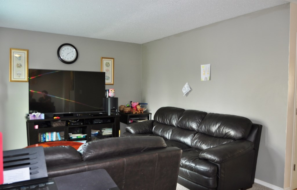 Photo 6: 285 CALLINGWOOD Place in Edmonton: Zone 20 Townhouse for sale : MLS(r) # E4068138