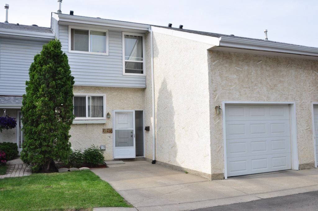 Photo 1: 285 CALLINGWOOD Place in Edmonton: Zone 20 Townhouse for sale : MLS(r) # E4068138