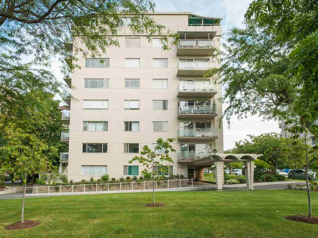 "Main Photo: 503 2409 W 43RD Avenue in Vancouver: Kerrisdale Condo for sale in ""BALSAM COURT"" (Vancouver West)  : MLS(r) # R2177625"