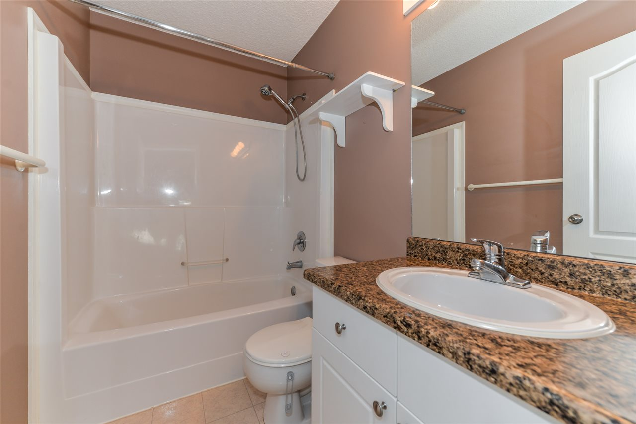 Photo 9: 5015 187 Street in Edmonton: Zone 20 House for sale : MLS® # E4069791