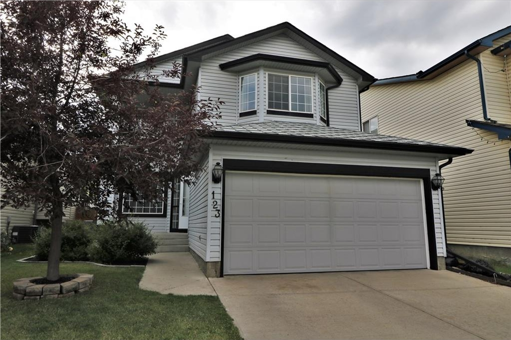 Main Photo: 123 COVILLE Close NE in Calgary: Coventry Hills House for sale : MLS® # C4127192