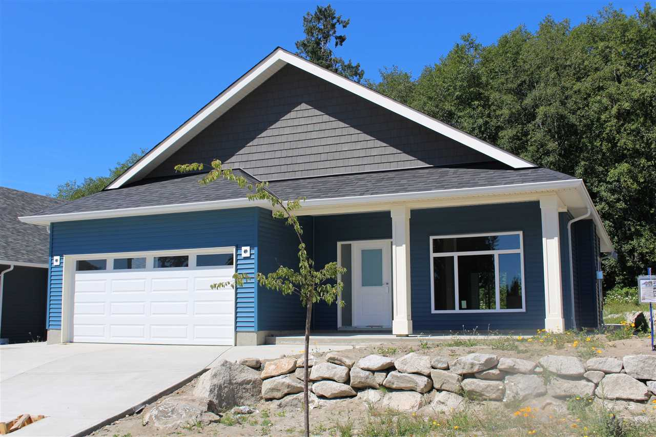 "Photo 1: Photos: 6436 APPLE ORCHARD Road in Sechelt: Sechelt District House for sale in ""WEST SECHELT"" (Sunshine Coast)  : MLS®# R2197484"