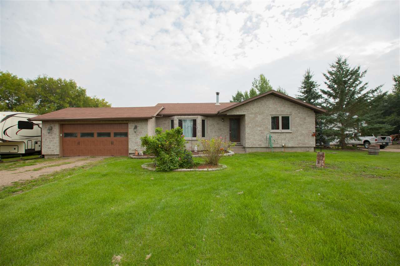 Main Photo: 5 Valley Drive: Rural Sturgeon County House for sale : MLS® # E4078230