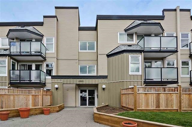 "Main Photo: 1 1850 E SOUTHMERE Crescent in Surrey: Sunnyside Park Surrey Condo for sale in ""SOUTHMERE PLACE"" (South Surrey White Rock)  : MLS® # R2200229"