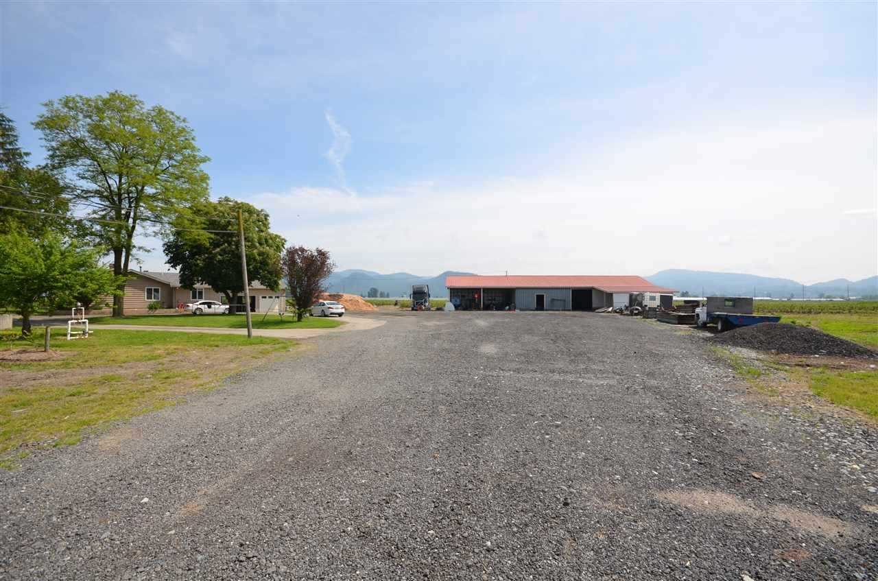 Photo 18: Photos: 5038 RIVERSIDE Street in Abbotsford: Matsqui House for sale : MLS® # R2217761