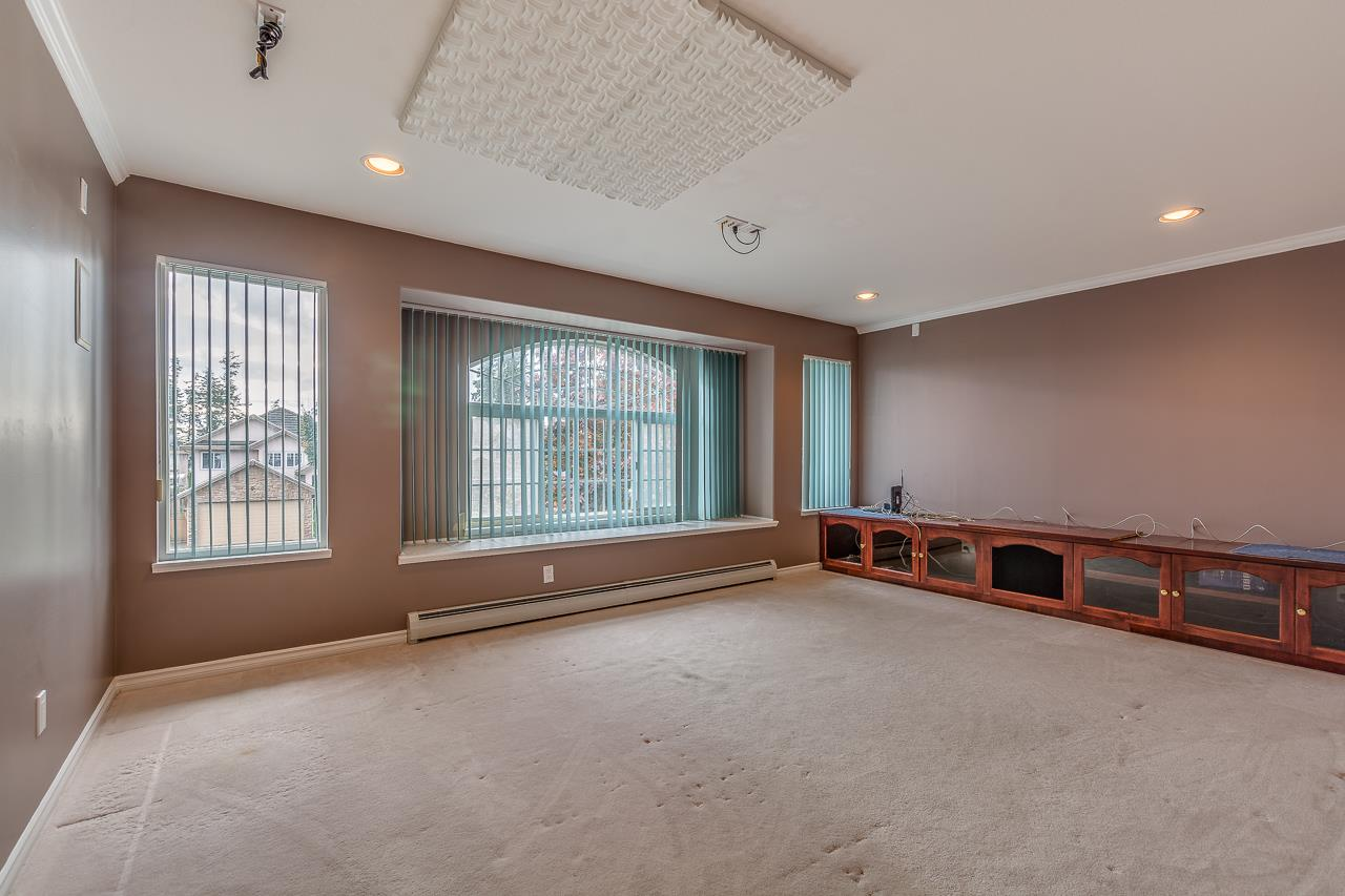 Photo 14: Photos: 15659 83A Avenue in Surrey: Fleetwood Tynehead House for sale : MLS® # R2220675