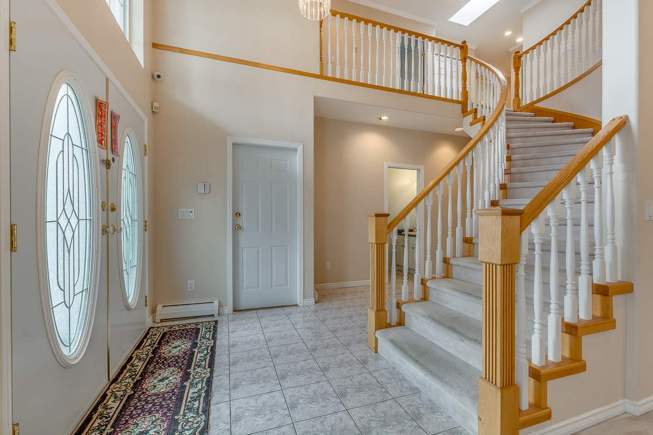 Photo 2: Photos: 15659 83A Avenue in Surrey: Fleetwood Tynehead House for sale : MLS® # R2220675