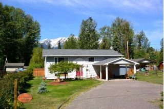 Main Photo: 2005 22ND Avenue in Smithers: Smithers - Rural House for sale (Smithers And Area (Zone 54))  : MLS®# R2278447