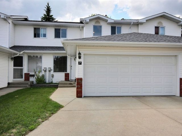 Main Photo: 7 10 Ritchie Way: Sherwood Park Townhouse for sale : MLS®# E4119290