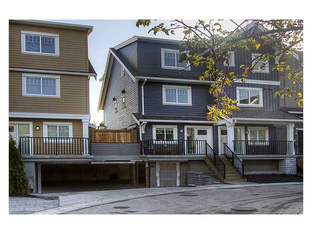 "Main Photo: 301 6471 PRINCESS Lane in Richmond: Steveston South Condo for sale in ""CURRENTS"" : MLS® # V915904"
