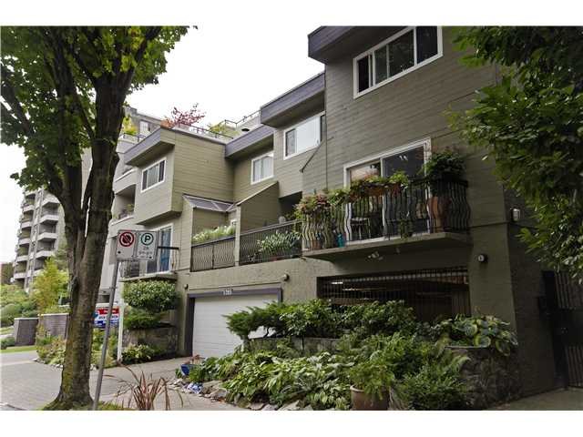 "Main Photo: 2 1285 HARWOOD Street in Vancouver: West End VW Townhouse for sale in ""HARWOOD COURT"" (Vancouver West)  : MLS® # V924887"