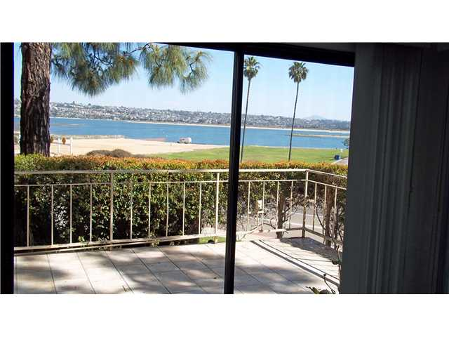 Photo 17: CROWN POINT Home for sale or rent : 1 bedrooms : 3770 CROWN POINT #104 in San Diego