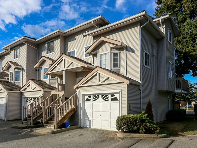 "Main Photo: 5 12188 HARRIS Road in Pitt Meadows: Central Meadows Townhouse for sale in ""WATERFORD PLACE"" : MLS(r) # V1029394"