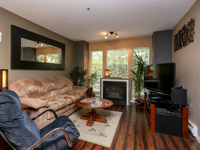 "Photo 2: 5 12188 HARRIS Road in Pitt Meadows: Central Meadows Townhouse for sale in ""WATERFORD PLACE"" : MLS(r) # V1029394"