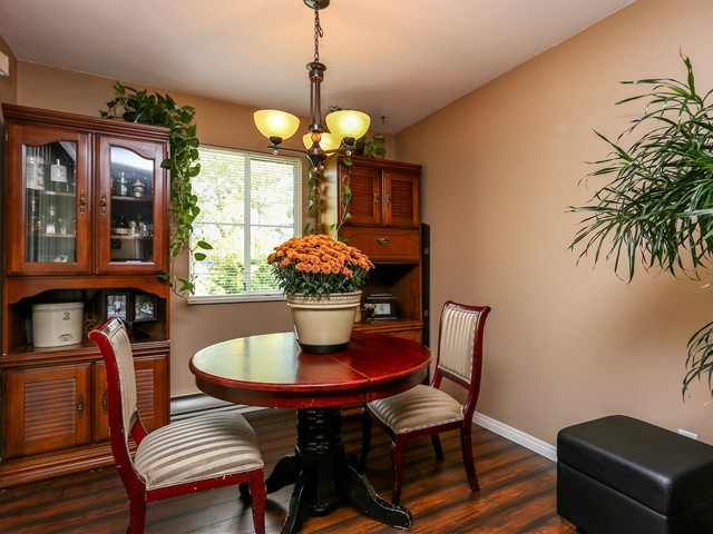 "Photo 5: 5 12188 HARRIS Road in Pitt Meadows: Central Meadows Townhouse for sale in ""WATERFORD PLACE"" : MLS(r) # V1029394"