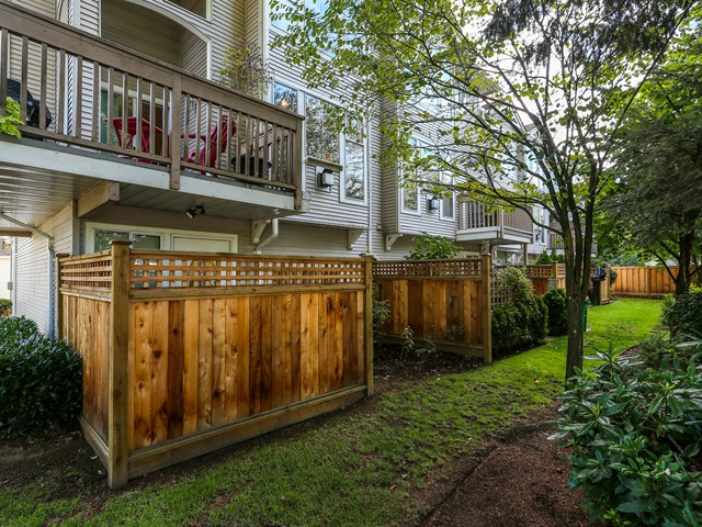 "Photo 19: 5 12188 HARRIS Road in Pitt Meadows: Central Meadows Townhouse for sale in ""WATERFORD PLACE"" : MLS(r) # V1029394"