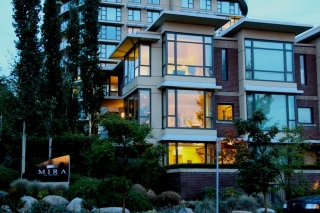 "Main Photo: 190 W 6TH Street in North Vancouver: Lower Lonsdale Townhouse for sale in ""MIRA ON THE PARK"" : MLS(r) # V1031989"