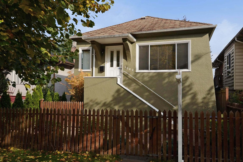 "Main Photo: 4508 WINDSOR Street in Vancouver: Fraser VE House for sale in ""FRASER"" (Vancouver East)  : MLS® # V1032120"