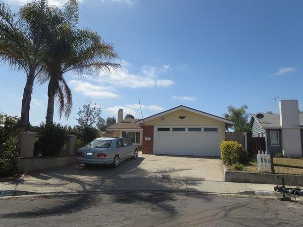 Main Photo: MIRA MESA House for sale : 3 bedrooms : 8343 Calle Calzada in San Diego