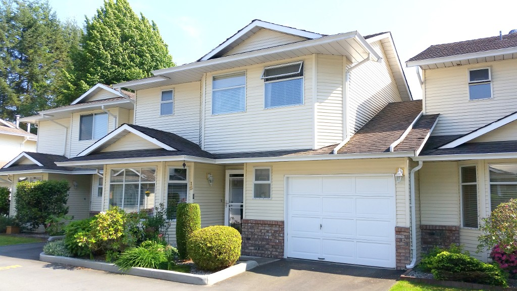 "Main Photo: 15 11934 LAITY Street in Maple Ridge: West Central Townhouse for sale in ""LAITY SQUARE"" : MLS®# V1123906"