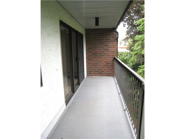 "Photo 11: 308 620 EIGHTH Avenue in NEW WEST: Uptown NW Condo for sale in ""DONCASTER"" (New Westminster)  : MLS(r) # V1141737"