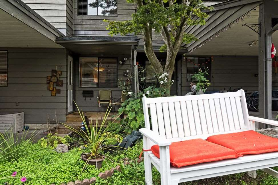 "Main Photo: 17 1960 RUFUS Drive in North Vancouver: Westlynn Townhouse for sale in ""Mountain Estates"" : MLS® # R2011299"
