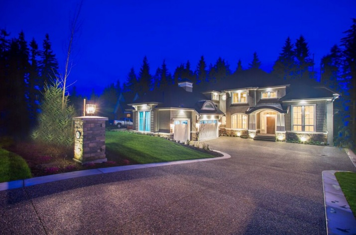 Main Photo: 1054 MAGNOLIA Way: Anmore House for sale (Port Moody)  : MLS® # R2032109