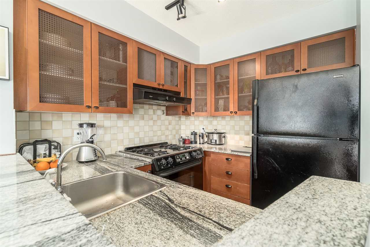 "Photo 7: 501 55 ALEXANDER Street in Vancouver: Downtown VE Condo for sale in ""55 ALEXANDER"" (Vancouver East)  : MLS® # R2085330"