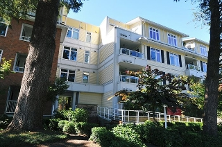 "Main Photo: 307 2368 MARPOLE Avenue in Port Coquitlam: Central Pt Coquitlam Condo for sale in ""RIVER ROCK LANDING"" : MLS® # R2108025"