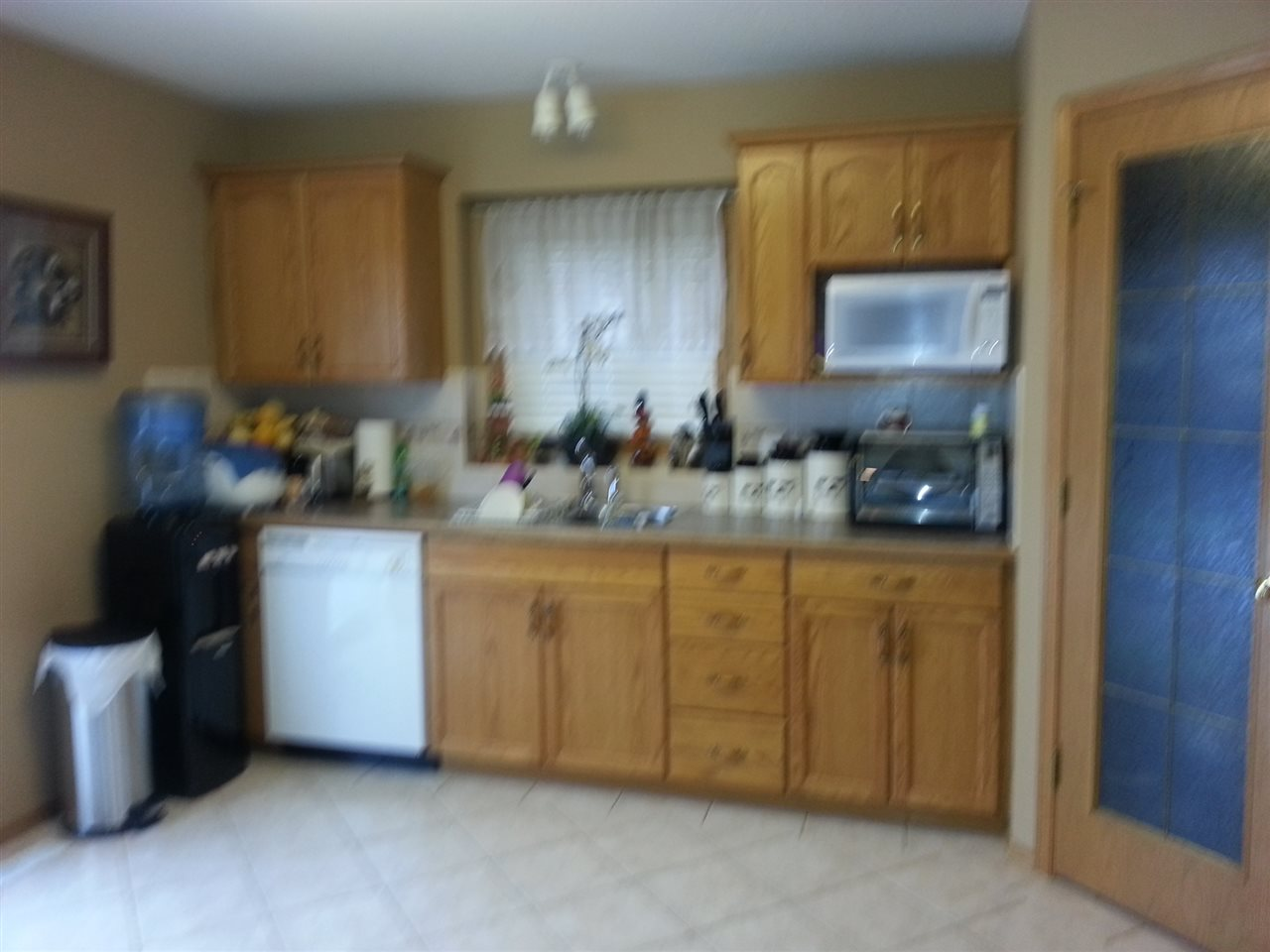 Other side of the kitchen, with pentry