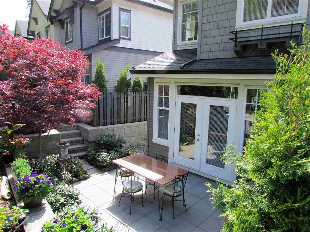 Photo 2: 10 3470 Highland Drive in Coquitlam: Burke Mountain Townhouse for sale : MLS(r) # R2164105