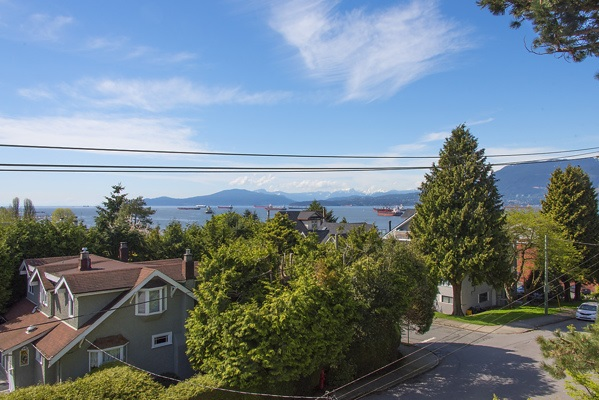 Photo 16: 1720 TRAFALGAR Street in Vancouver: Kitsilano House 1/2 Duplex for sale (Vancouver West)  : MLS(r) # R2178685