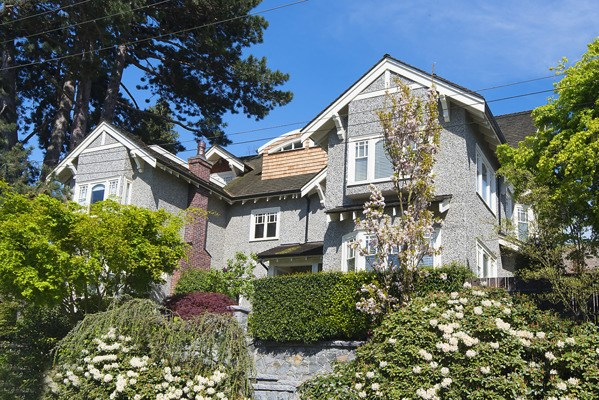 Main Photo: 1720 TRAFALGAR Street in Vancouver: Kitsilano House 1/2 Duplex for sale (Vancouver West)  : MLS(r) # R2178685