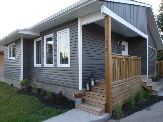 Main Photo: 9838 171A Avenue NW in Edmonton: Zone 27 House for sale : MLS(r) # E4072520