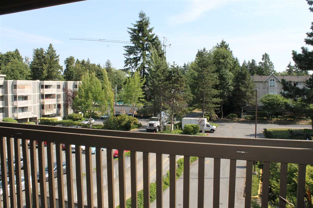 "Photo 10: 305 13507 96 Avenue in Surrey: Whalley Condo for sale in ""Parkwoods- Balsam"" (North Surrey)  : MLS(r) # R2187021"