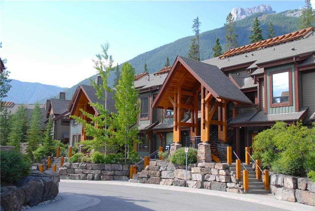 Main Photo: 610 107 Armstrong Place: Canmore House for sale : MLS(r) # C4130088