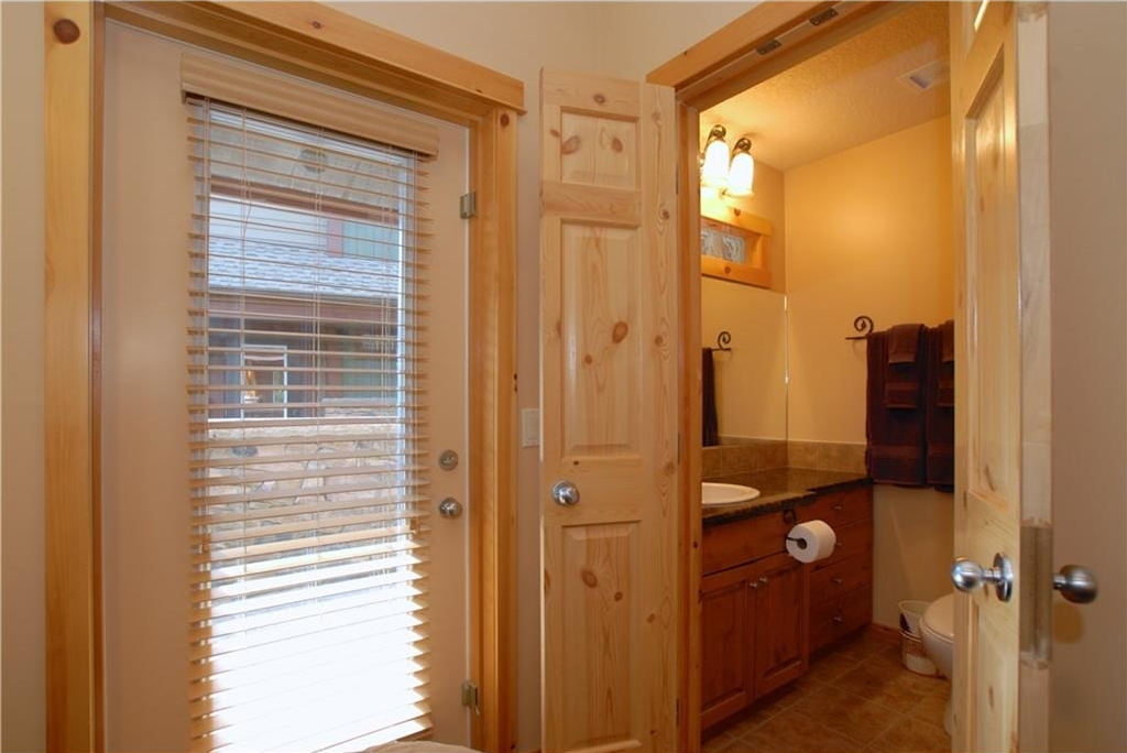 Master ensuite & access to second patio