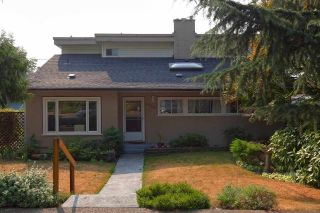 Main Photo: 1924 SEVENTH Avenue in New Westminster: West End NW House for sale : MLS®# R2298042