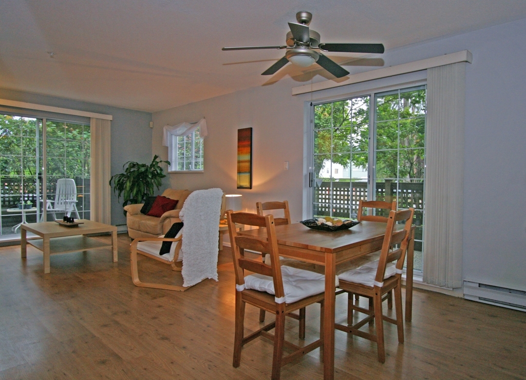 "Photo 2: 101 1990 COQUITLAM Avenue in Port Coquitlam: Glenwood PQ Condo for sale in ""THE RICHFIELD"" : MLS(r) # V913956"