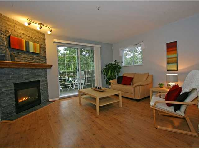 "Photo 10: 101 1990 COQUITLAM Avenue in Port Coquitlam: Glenwood PQ Condo for sale in ""THE RICHFIELD"" : MLS(r) # V913956"