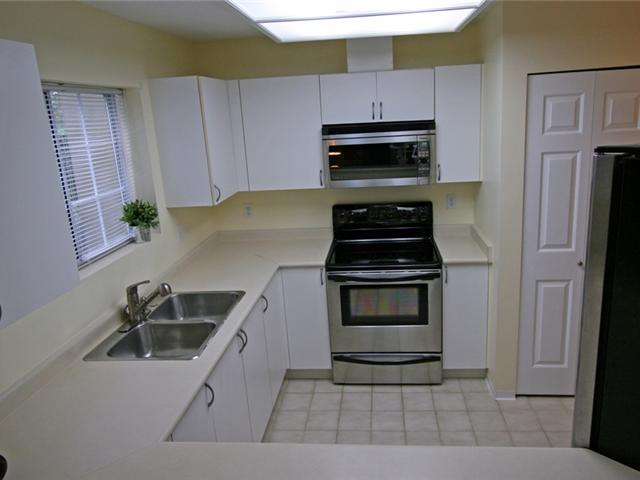 "Photo 12: 101 1990 COQUITLAM Avenue in Port Coquitlam: Glenwood PQ Condo for sale in ""THE RICHFIELD"" : MLS(r) # V913956"
