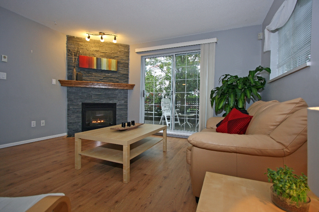 "Photo 5: 101 1990 COQUITLAM Avenue in Port Coquitlam: Glenwood PQ Condo for sale in ""THE RICHFIELD"" : MLS(r) # V913956"