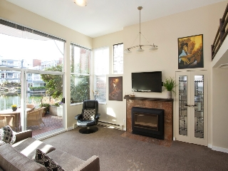 "Main Photo: 1598 ISLAND PARK Walk in Vancouver: False Creek Townhouse for sale in ""THE LAGOONS"" (Vancouver West)  : MLS® # V1052642"