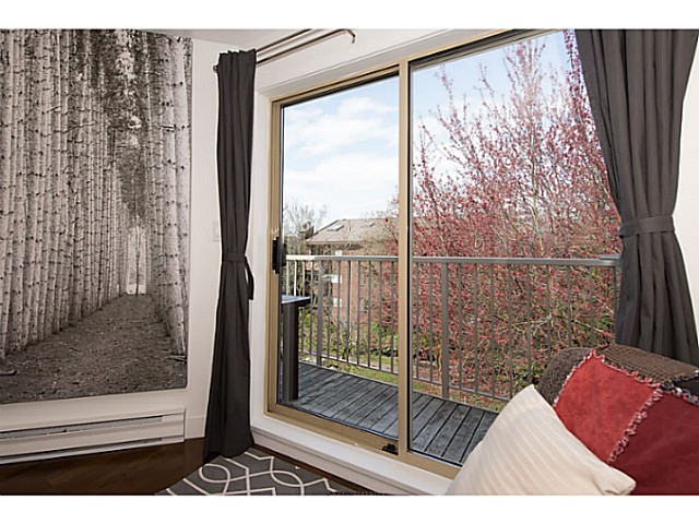 "Photo 12: 418 1820 W 3RD Avenue in Vancouver: Kitsilano Condo for sale in ""Monterey"" (Vancouver West)  : MLS(r) # V1057027"